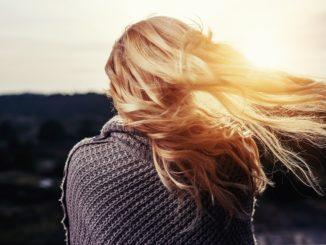 Řídnoucí vlasy