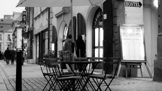 Posaďte se na pražské židle na více jak sedmdesáti místech